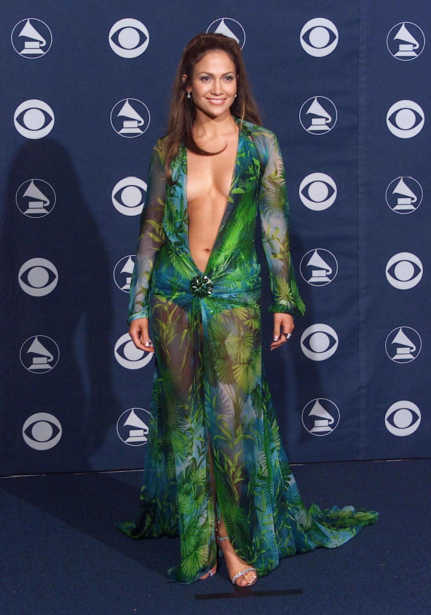 Twitter Young Jennifer Lopeza naked photo 2017